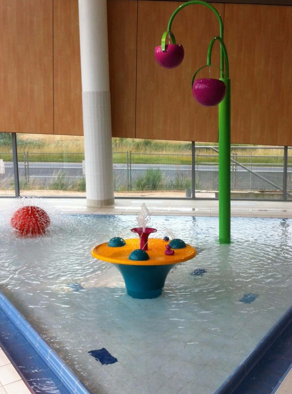 Jeu table p dagogique de l eau la maison de la piscine for Table de piscine